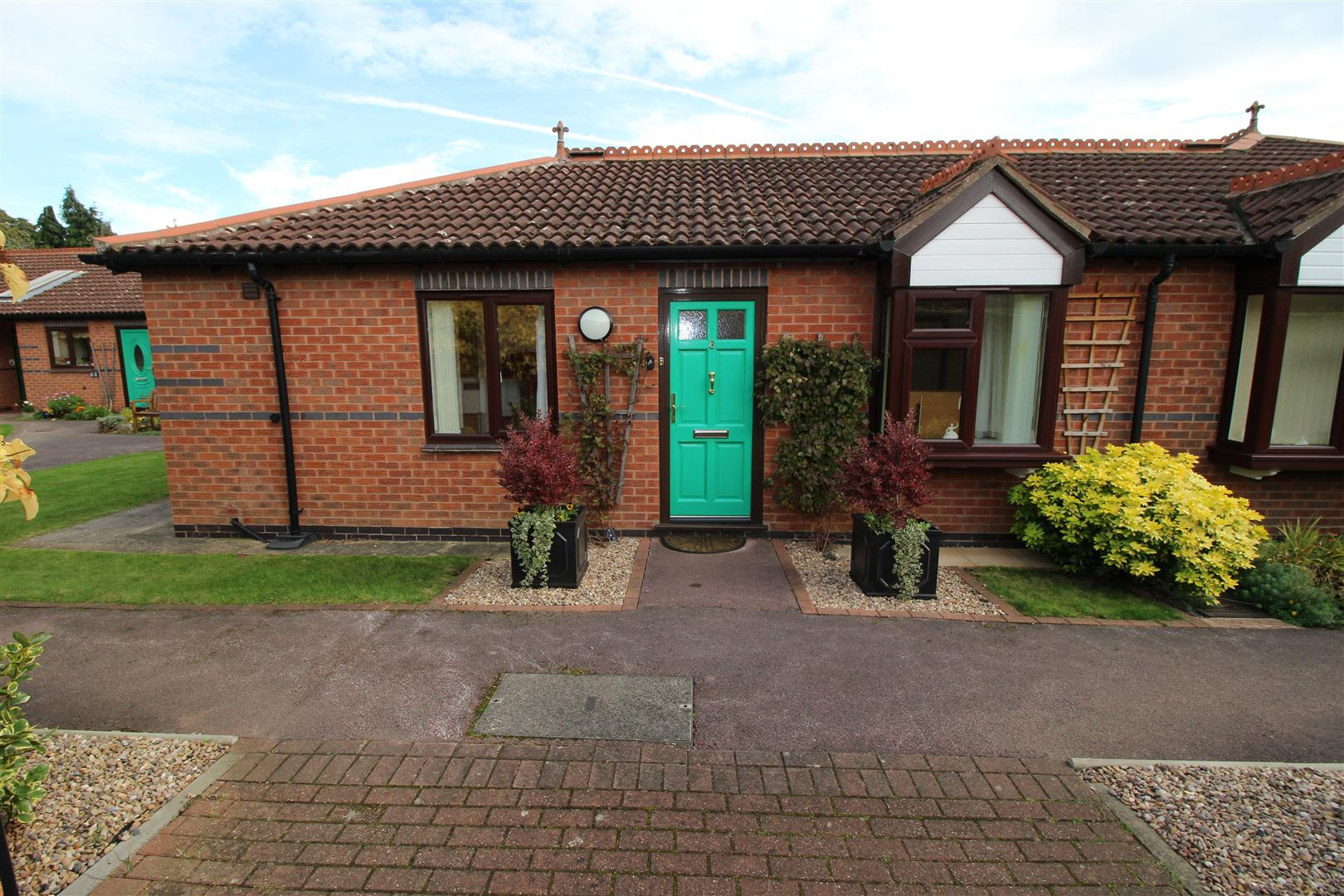 1 Bedroom Bungalow for sale in The Dovecotes, Dovecote Lane, Beeston